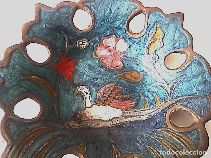 Ceniceros: Pequeño cenicero de metal repujado y pintado a mano - Foto 2 - 139230598