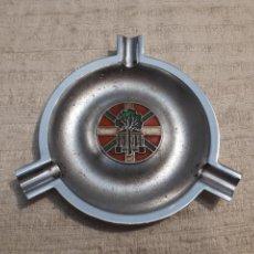 Ceniceros: CENICERO EUSKAL HERRIA ESCUDO METAL. Lote 148174710
