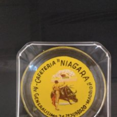Ceniceros: ANTIGUO CENICERO CRISTAL AÑOS 60-70. Lote 165394194
