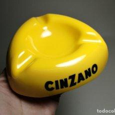 Ceniceros: CENICERO PUBLICITARIO----RESINA PLASTICA---- BEBIDA ---CINZANO -. Lote 171363910