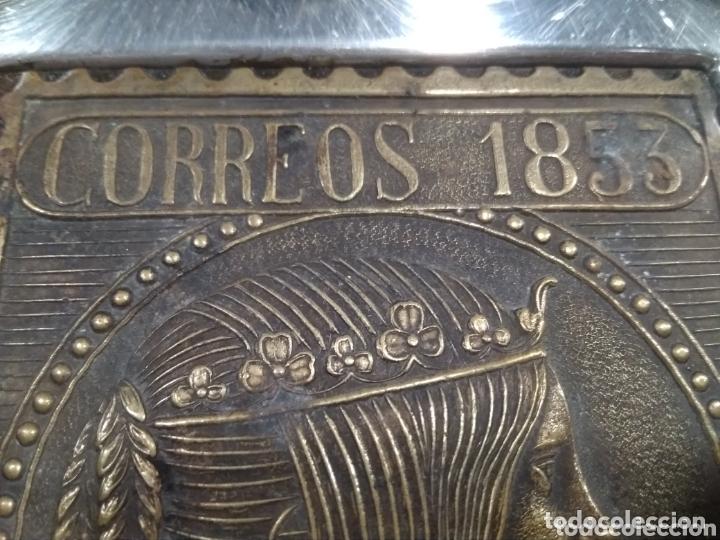 Ceniceros: Bonito cenicero con reproducción sello correos 1853 - Foto 7 - 173932205
