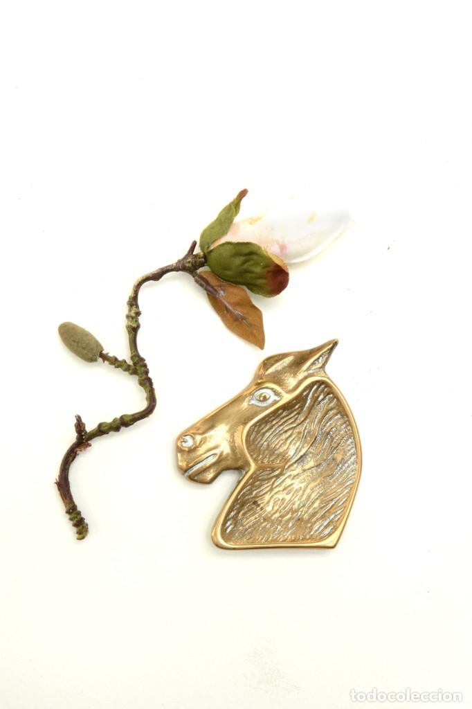 Ceniceros: Cenicero en forma de cabeza de caballo, decoración oficina, decoración deportivva - Foto 2 - 176295879