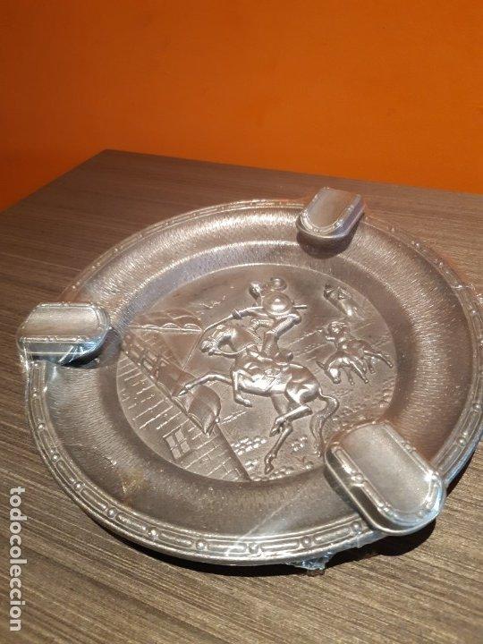 Ceniceros: Antiguo cenicero metal ver fotos - Foto 2 - 180115418