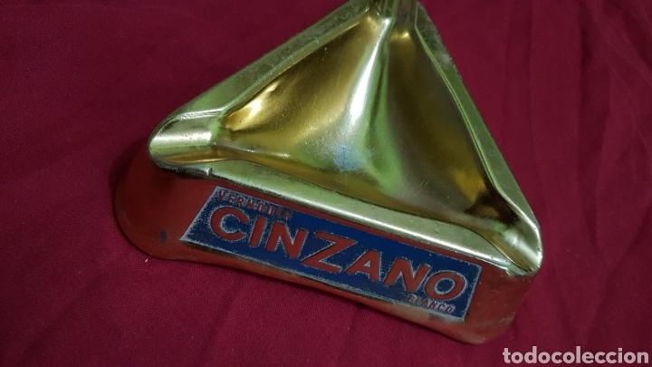 Ceniceros: Antiguo cenicero cinzano aluminio - Foto 2 - 180289183