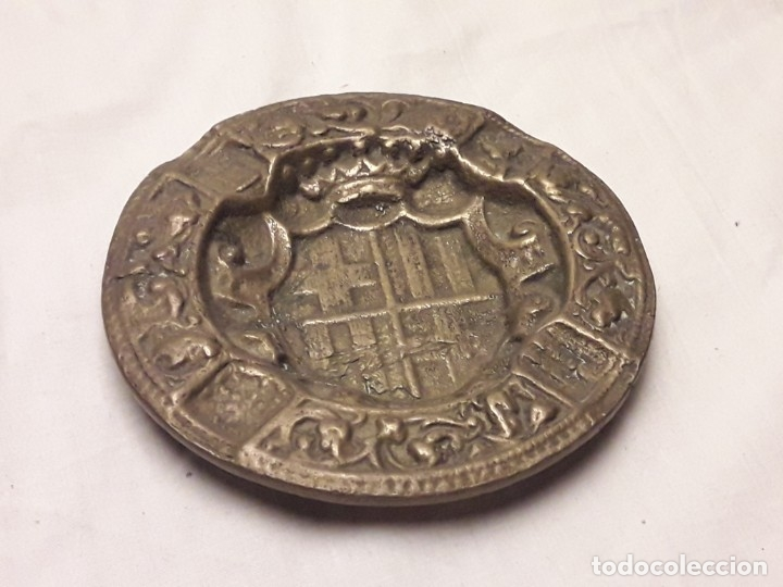 Ceniceros: Antiguo cenicero de Bronce escudo de Barcelona años 50 12cm - Foto 5 - 216407105