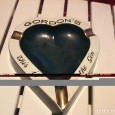 Ceniceros: GORDONS CENICERO ANTIGUO. Lote 183422786