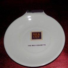 Ceniceros: BANDEJA PARA CAMBIO DE LA MARCA SILK CUT. Lote 191651107