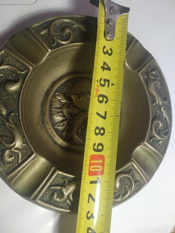 Ceniceros: Cenicero metálico con relieve - Foto 2 - 194303571