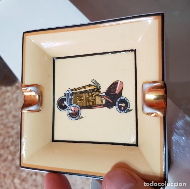 CENICERO CERÁMICA O PORCELANA - COCHE ANTIGUO (Coleccionismo - Objetos para Fumar - Ceniceros)