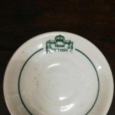 Ceniceros: CENICERO DE PORCELANA HOTEL VICTORIA.. Lote 195189601