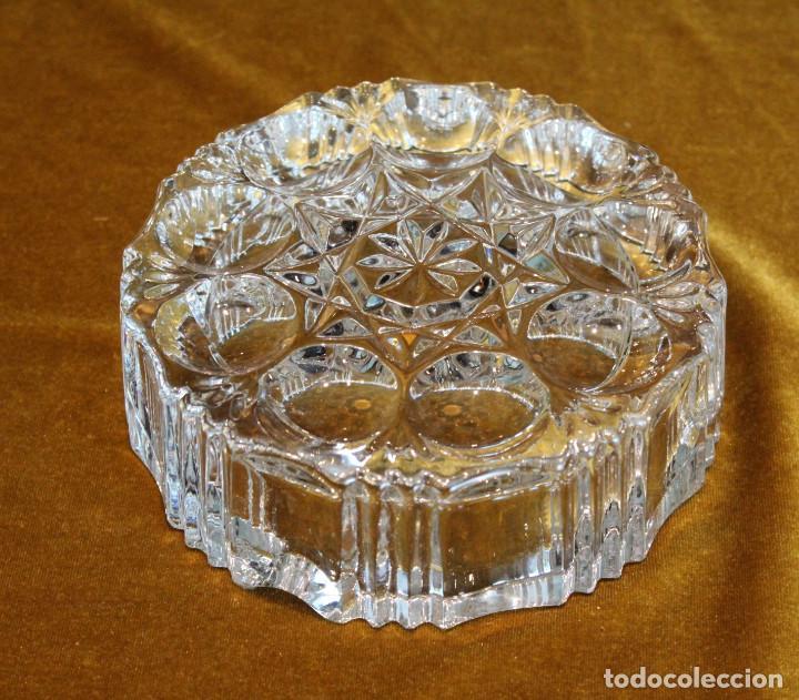 Ceniceros: Cenicero de forma redonda,tallado en cristal de roca. - Foto 2 - 195274083