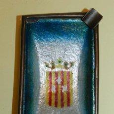 Ceniceros: ANTIGUO CENICERO REALIZADO EN COBRE ESMALTADO, CON ESCUDO DE LERIDA, MIDE 11,5 X 7 CMS.. Lote 196872226