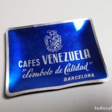 Ceniceros: CENICERO ALUMINIO AÑOS 40 - CAFES VENEZUELA..BARCELONA---12 X 9 CM. Lote 198478538