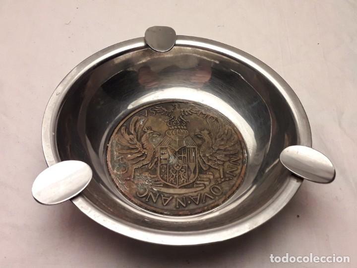 Ceniceros: Bello cenicero de metal plateado con escudo de bronce 3 águilas reales NN OVA N ANC CA VS MO - Foto 4 - 202570960