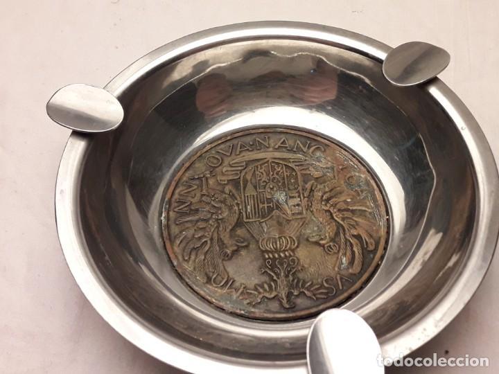 Ceniceros: Bello cenicero de metal plateado con escudo de bronce 3 águilas reales NN OVA N ANC CA VS MO - Foto 6 - 202570960