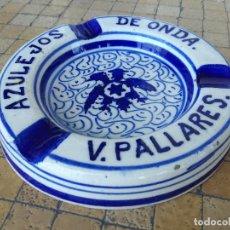 Ceniceros: ANTIGUO CENICERO VINTAGE PUBLICITARIO AZULEJOS DE ONDA V. PALLARES - CERAMICA PINTADA A MANO. Lote 203181610