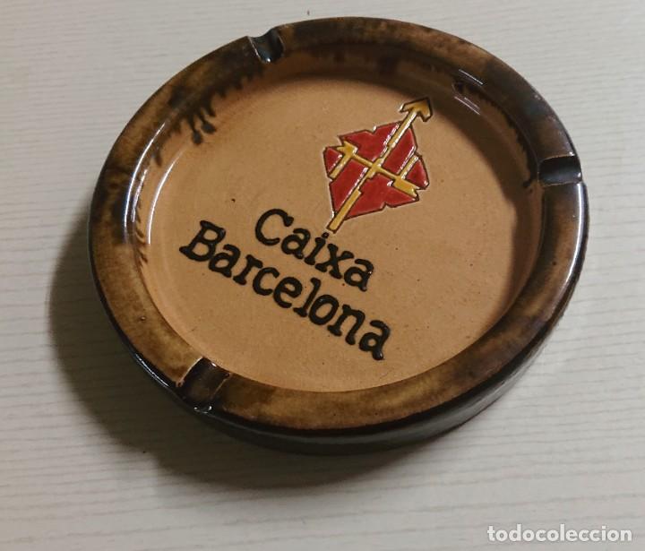 Ceniceros: Bonito CENICERO de CERÁMICA VINTAGE · La Caixa de Barcelona · Cerámica de la Bisbal (Gerona) - Foto 2 - 204702202