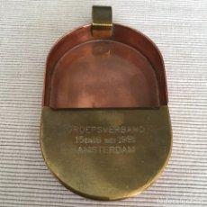 Ceniceros: CENICERO DE LATÓN Y COBRE VINTAGE 1981 GRABADO AMSTERDAM. Lote 205129292