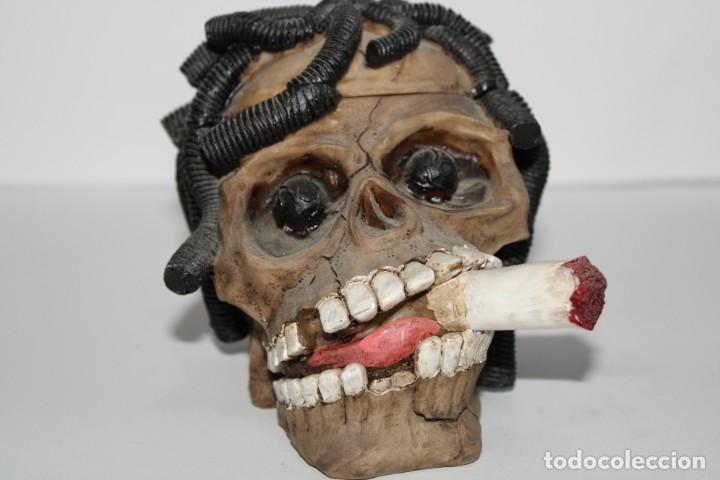CURIOSO CENICERO CALAVERA (Coleccionismo - Objetos para Fumar - Ceniceros)
