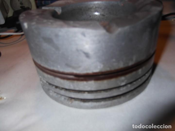 Ceniceros: Cenicero antiguo realizado en Alemania con un pistón - Foto 3 - 209704735