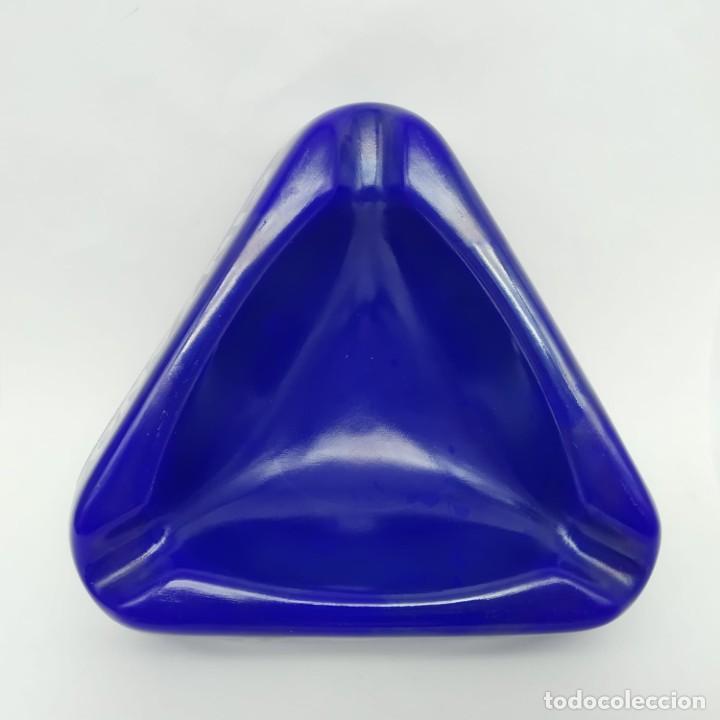 Ceniceros: Antiguo cenicero triangular de pasta vítrea publicidad Cinzano años 60 - 70 - Foto 2 - 218240487