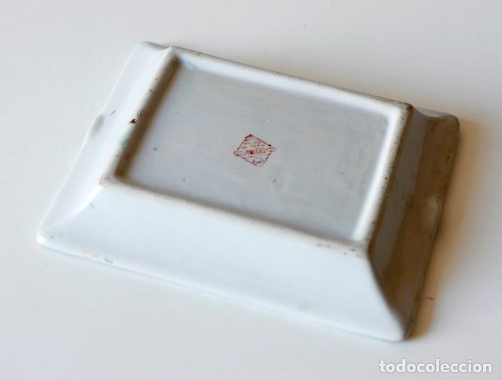 Ceniceros: Cenicero vintage de cerámica, con dibujos chinos y algunos detalles en relieve. Made in China. - Foto 4 - 218393320