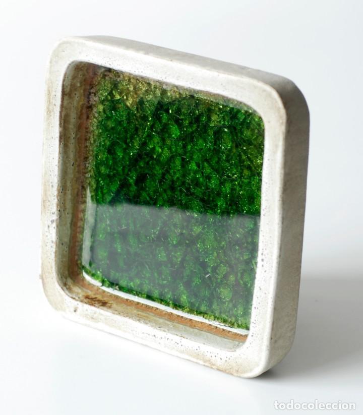 Ceniceros: Cenicero vintage de cerámica y vidrio. Grande y pesado, mide 19 x 19 x 4 cm, pesa 1,5 kg. - Foto 2 - 218395068