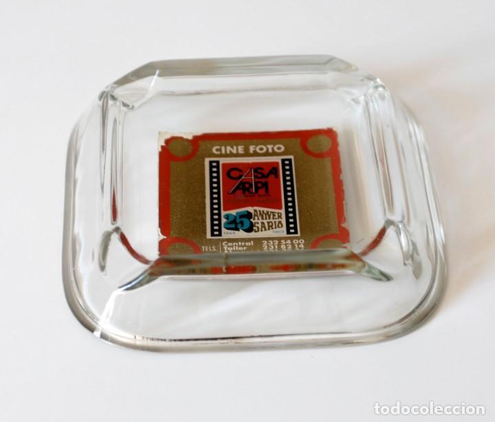 Ceniceros: Cenicero vintage de cristal, publicidad Casa Arpi, Cine Foto. 25 aniversario, 1944 - 1969. Original - Foto 2 - 218398153