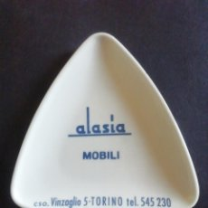Ceniceros: CENICERO ALASIA MOBILI. TORINO. PLÁSTICO. Lote 219989563