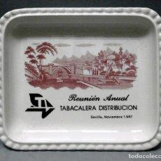 Ceniceros: CENICERO DE CERAMICA PUBLICITARIO: REUNION ANUAL TABACALERA DISTRIBUCION SEVILLA 1987 - CENICERO-81. Lote 222645871