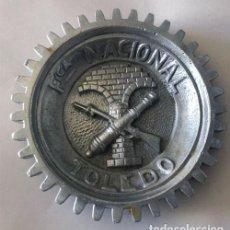 Ceniceros: CENICERO / FABRICA NACIONAL DE ARMAS DE TOLEDO / METALICO - ALUMINIO / MILITAR. Lote 232850030