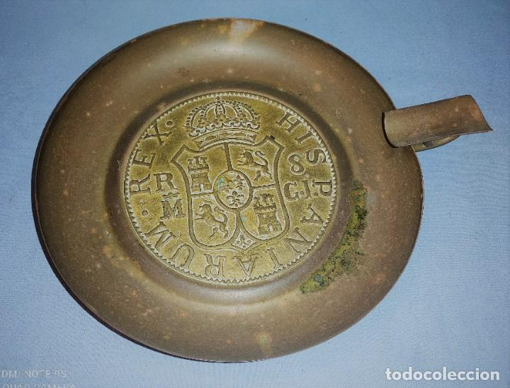 ANTIGUO GRAN CENICERO HISPANIARUM REX DE METAL (Coleccionismo - Objetos para Fumar - Ceniceros)
