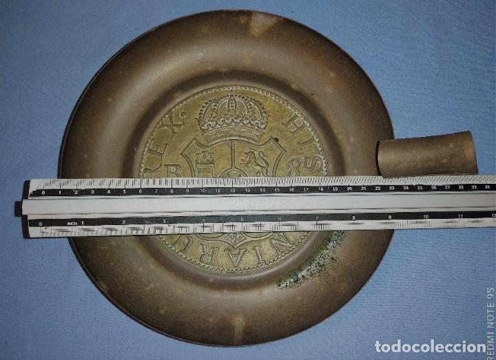 Ceniceros: ANTIGUO GRAN CENICERO HISPANIARUM REX DE METAL - Foto 4 - 236714115