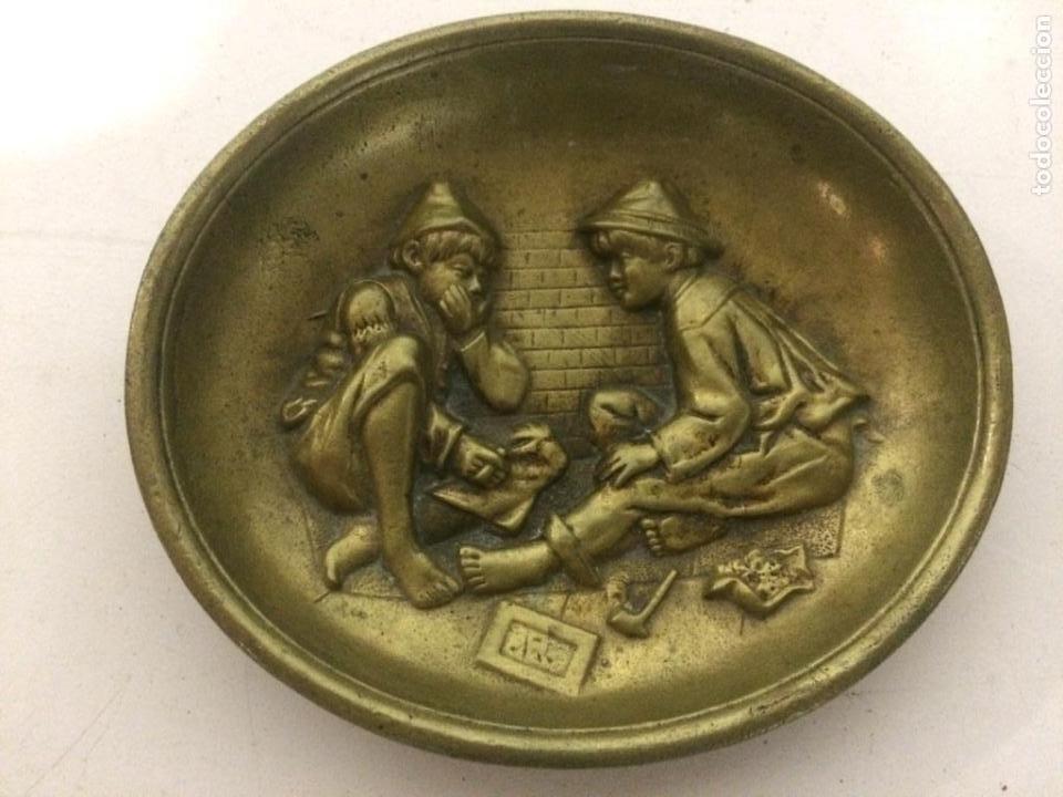 ANTIGUO CENICERO DE BRONCE (Coleccionismo - Objetos para Fumar - Ceniceros)