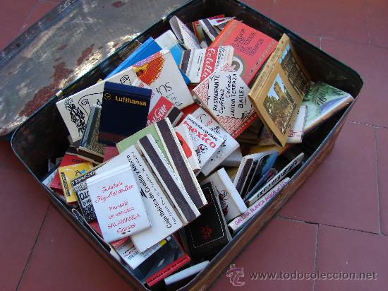 LOTE DE 130 CAJAS DE CERILLAS CON CAJA DE LATA ANTIGUA (Coleccionismo - Objetos para Fumar - Cajas de Cerillas)