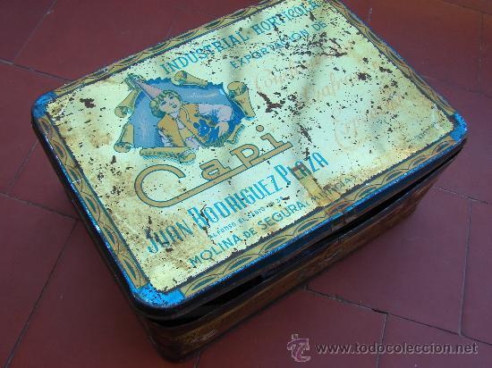 Cajas de Cerillas: LOTE DE 130 CAJAS DE CERILLAS CON CAJA DE LATA ANTIGUA - Foto 2 - 26468244