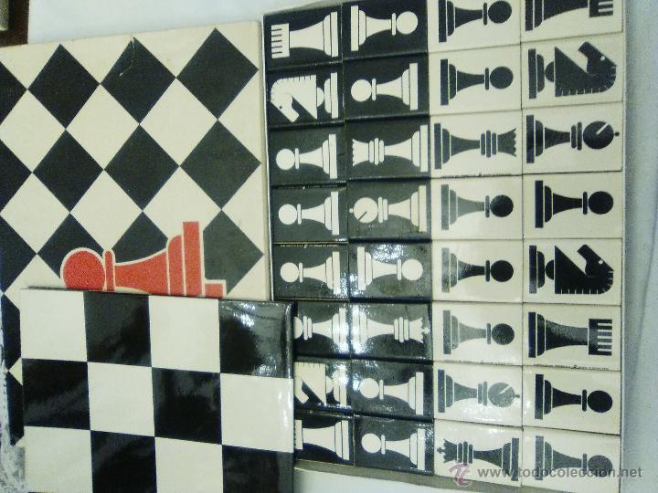 JUEGO DE AJEDREZ PARA COLECCIONISTAS DE FOSFOROS DEL PIRINEO, S.A. (Coleccionismo - Objetos para Fumar - Cajas de Cerillas)