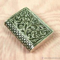 Cajas de Cerillas: CERILLERO. PLATA DE LEY, CINCELADA A MANO, XVIII-XIX.. Lote 50546544