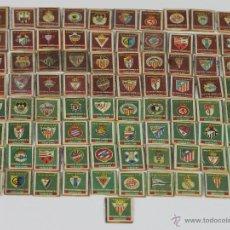 Cajas de Cerillas: COLECCIÓN DE 81 RECORTES DE CAJAS DE CERILLAS. ESCUDOS DE FUTBOL. PRIMERA MITAD XX.. Lote 49423923