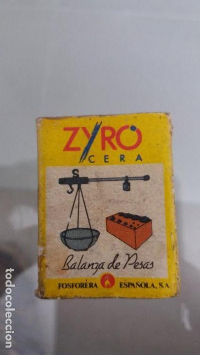 CAJA CAJETILLA DE CERILLAS ANTIGUA ZYRO BALANZA DE PESAS FOSFORERA ESPAÑOLA (Coleccionismo - Objetos para Fumar - Cajas de Cerillas)