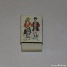 Cajas de Cerillas: CAJA DE CERILLAS AÑOS 60. TRAJES TÍPICOS DE EUROPA.. Lote 76777443