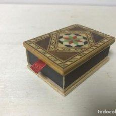 Cajas de Cerillas: CAJA CERILLAS CURIOSA TAPAS DE MADERA. Lote 86357408