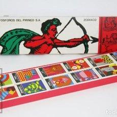Cajas de Cerillas: COLECCIÓN COMPLETA DE 12 CAJAS DE CERILLAS LLENAS - ZODIACO - FÓSFOROS DEL PIRINEO - AÑOS 70-80. Lote 177764427
