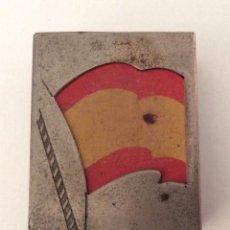 Cajas de Cerillas: ESTUCHE METÁLICO PROTECTOR. CAJA CERILLAS C.A.F. BANDERA ESPAÑOLA. PATENTE 6410.. Lote 138714450