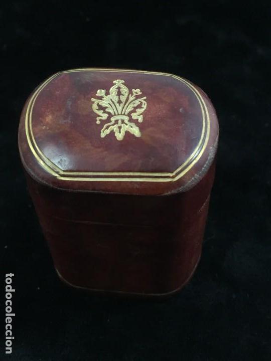 Cajas de Cerillas: Cerillero antiguo de cuero con flor de lis dorada, buen estado - Foto 2 - 155979430