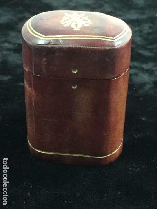 Cajas de Cerillas: Cerillero antiguo de cuero con flor de lis dorada, buen estado - Foto 5 - 155979430