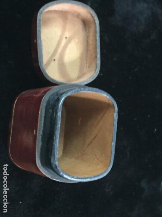 Cajas de Cerillas: Cerillero antiguo de cuero con flor de lis dorada, buen estado - Foto 6 - 155979430