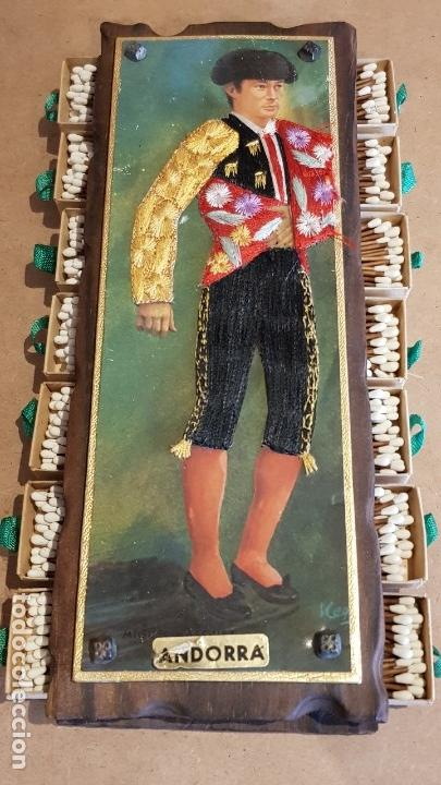 Cajas de Cerillas: ANTIGUO CERILLERO ( ANDORRA ) CON LA FIGURA DE MIGUEL MARQUEZ EN HILO BORDADO / VER FOTOS. - Foto 2 - 157702054