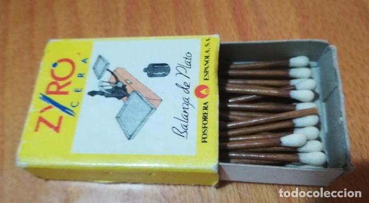 ANTIGUA CAJA CERILLAS ZYRO CERA FOSFORERA ESPAÑOLA BALANZA DE PLATO (Coleccionismo - Objetos para Fumar - Cajas de Cerillas)