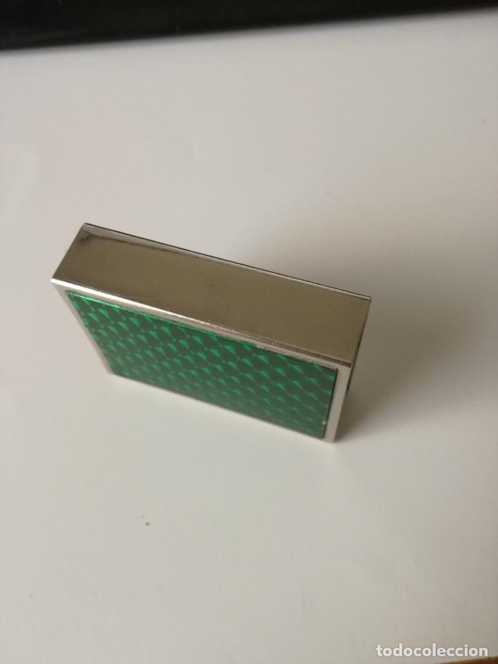 Cajas de Cerillas: ANTIGUA CAJA CUBRE FÓSFOROS METÁLICA ENTRAMADO GUILLOCHÉ Y 1 CARA PLASTIFICADA VERDE 5,5 CM X 4 CM - Foto 4 - 176641767